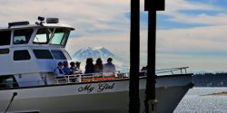 Boating, Yachting, Yacht, Puget Sound, Party, Tour, water, cruising, event on a boat, Gig Harbor, Key Peninsula, Captain, Indoor salon, deck of boat, rental,